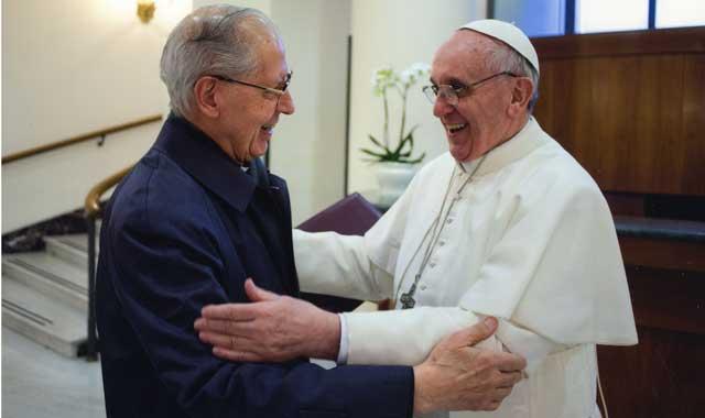¡¡UN ASESINO DISFRAZADO DE CORDERO EN EL TRONO PAPAL!! - Página 2 Bergoglio-nicolas-05